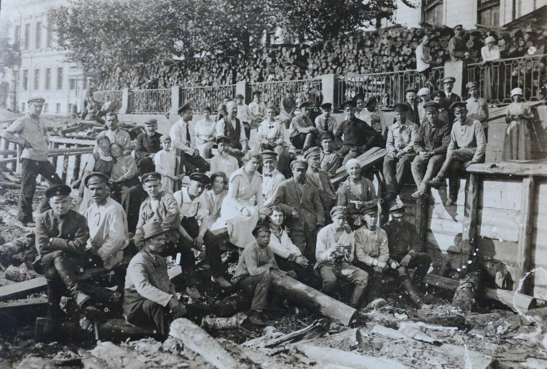 Robotnicy sowieccy. Źródło: https://flic.kr/p/nQNNLE