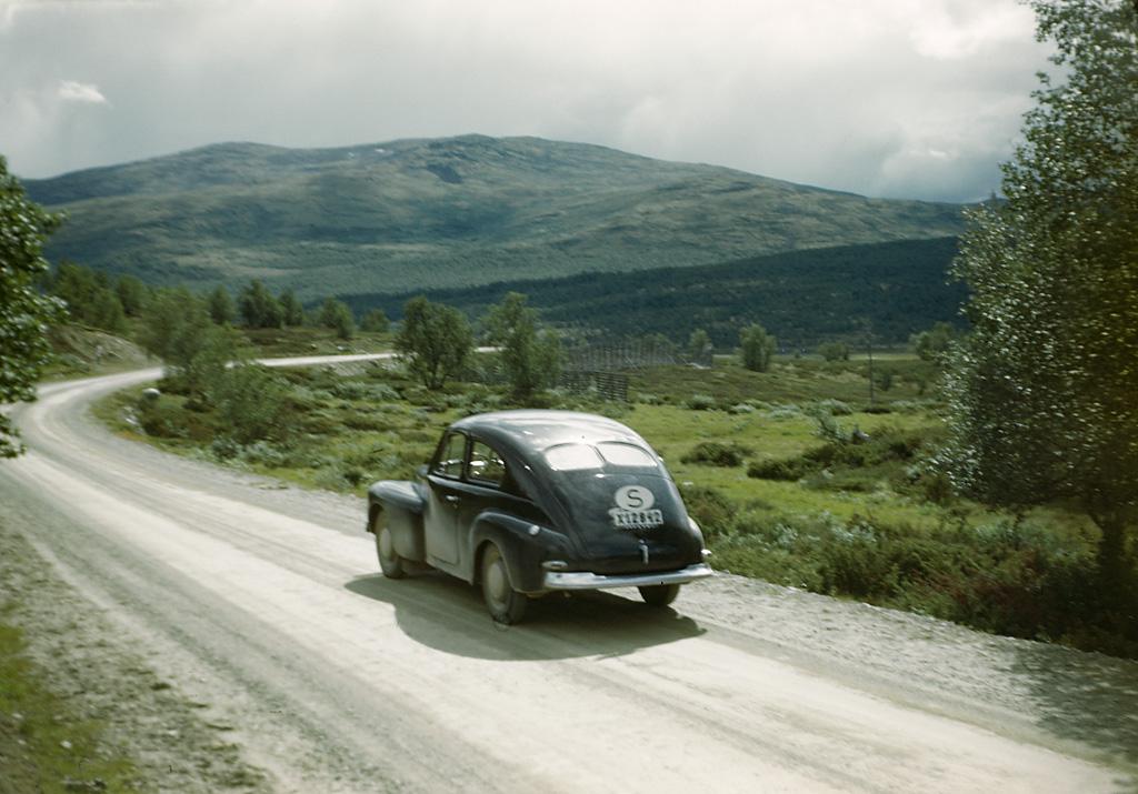 Miljöer-Fjällmiljö, Miljöer-Bergslandskap. Znalazłem folder na Flickrze, w którym są zdjęcia niejakiego Fredrika Bruna, bardzo ładne zdjęcia. Źródło: https://flic.kr/p/apo6Jq