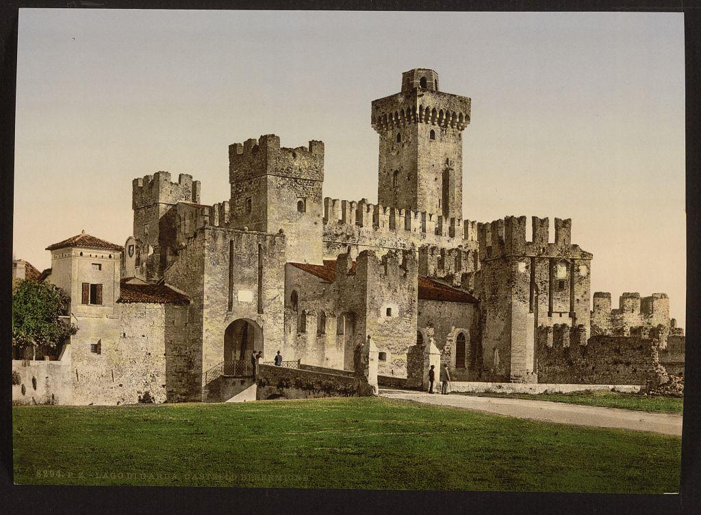 Zamek w Italii. Źródło: https://flic.kr/p/8bogxU