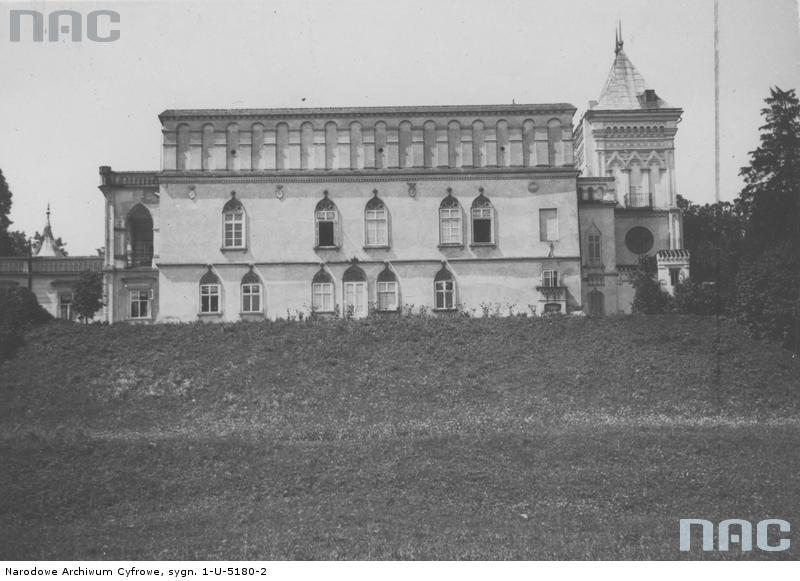 Przecław. Pałac Reyów. Źródło: https://audiovis.nac.gov.pl/obraz/121515/a47a5c04b241da6b04a785fd486dd0d9/
