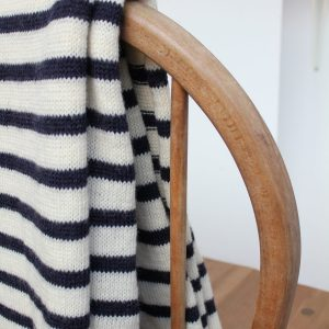 picture of striped scarf