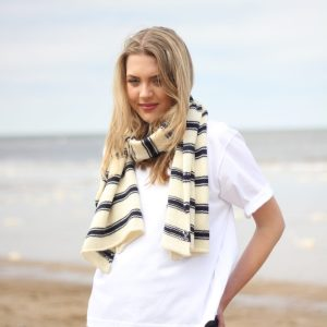 Charl Knitwear knitted scarf
