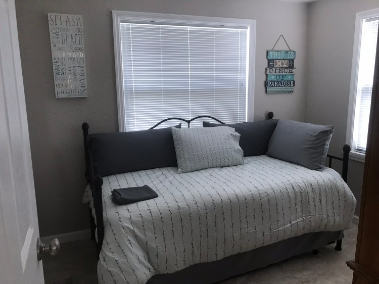 Bonus room with day bed