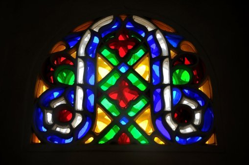 5611021-stained_glass_window_in_imam-s_palace_of_dar_alhajr_-_haraz_mountains-_yemen-0