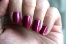 China_Glaze_Flying_Dragon_neon_pink_pailleté (1)