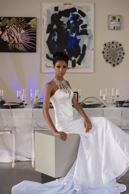 Charlottean Couture: Art Gallery-Inspired Modern Concept Wedding