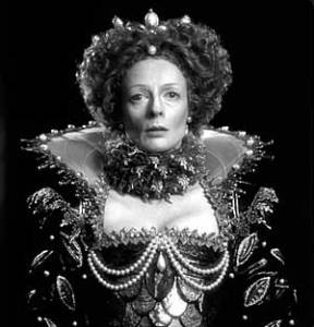 Maggie Smith as Elizabeth I