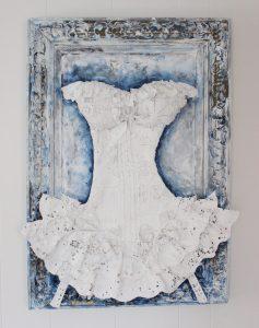 charlotte_olsson_art_design_pattern_swedishart_champagne_recyclingart_silk_exclusive_original_paintin_corset_interior_flower_sculpture