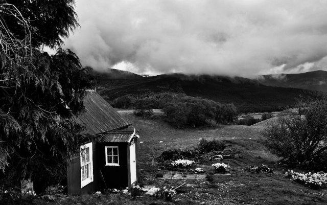 Nan Shepherd's shanty b/w of Braeview with Braemar in distance