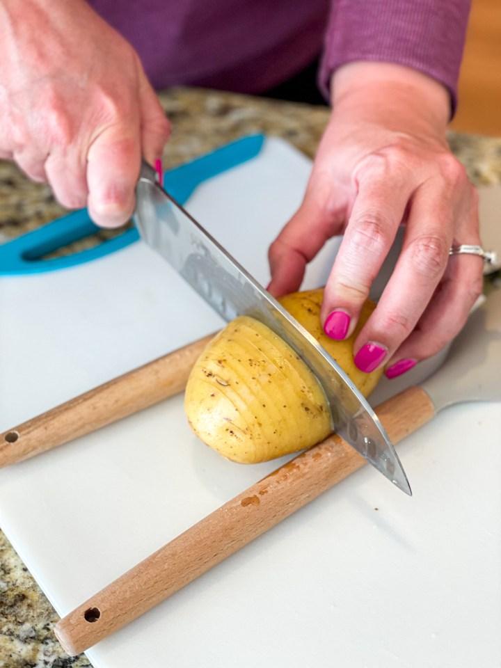 Hasselback Potatoes prep