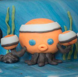 Octonauts birthday cake - the octopod