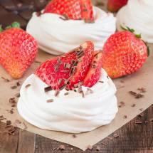 Mini-Strawberry-Pavlovas-6
