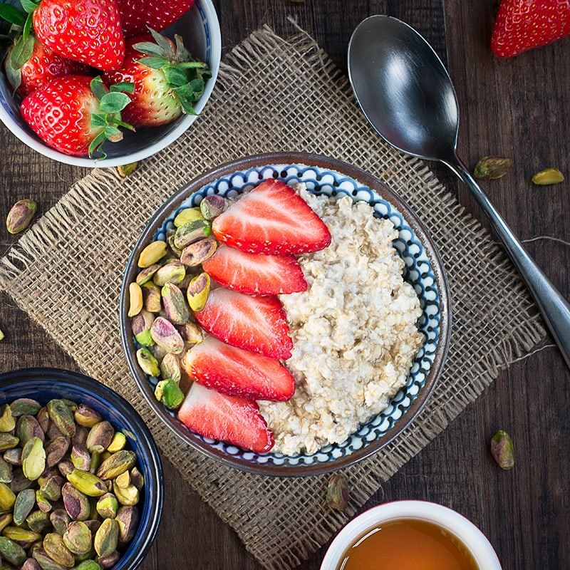 Strawberry maple and pistachio overnight oats 2