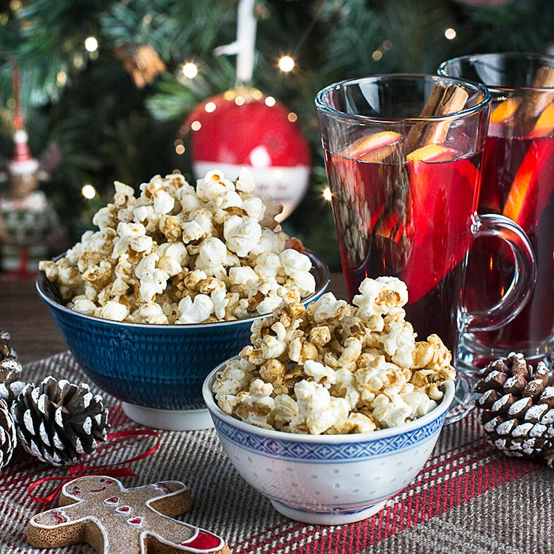 Homemade sweet cinema-style popcorn with all the flavours of gingerbread. The perfect accompaniment to your Christmas films.