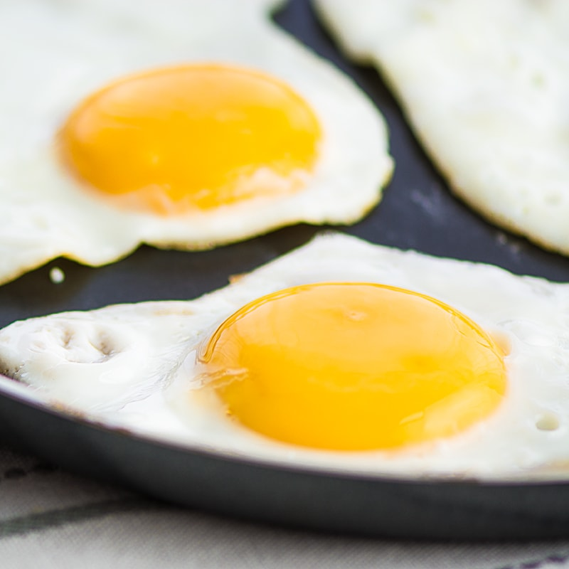 My guide to cooking the perfect, healthy, fried egg - a properly cooked white and lovely runny yolk, without drowning it in oil.