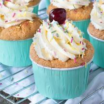 raspberry-trifle-cupcakes-12