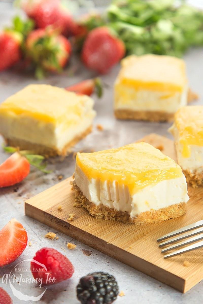 Lemon Yogurt Cheesecake Bars
