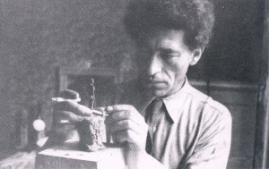 Giacometti's truthworking in his hotel room the Hotel de Rive, Geneva(1944)