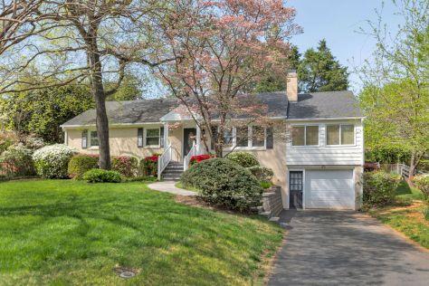 1435 Kenwood Lane Home