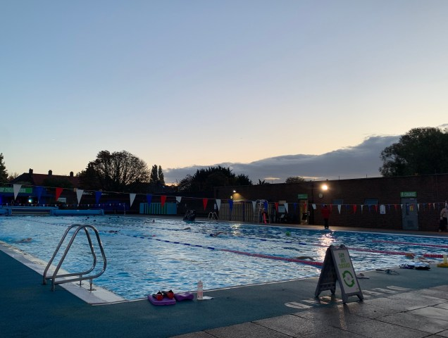 Charlton Lido at dawn