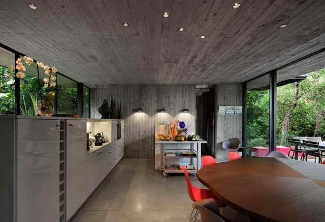 プライベートサントロペレジデンスの大胆なコンクリートとガラスの組成(11)