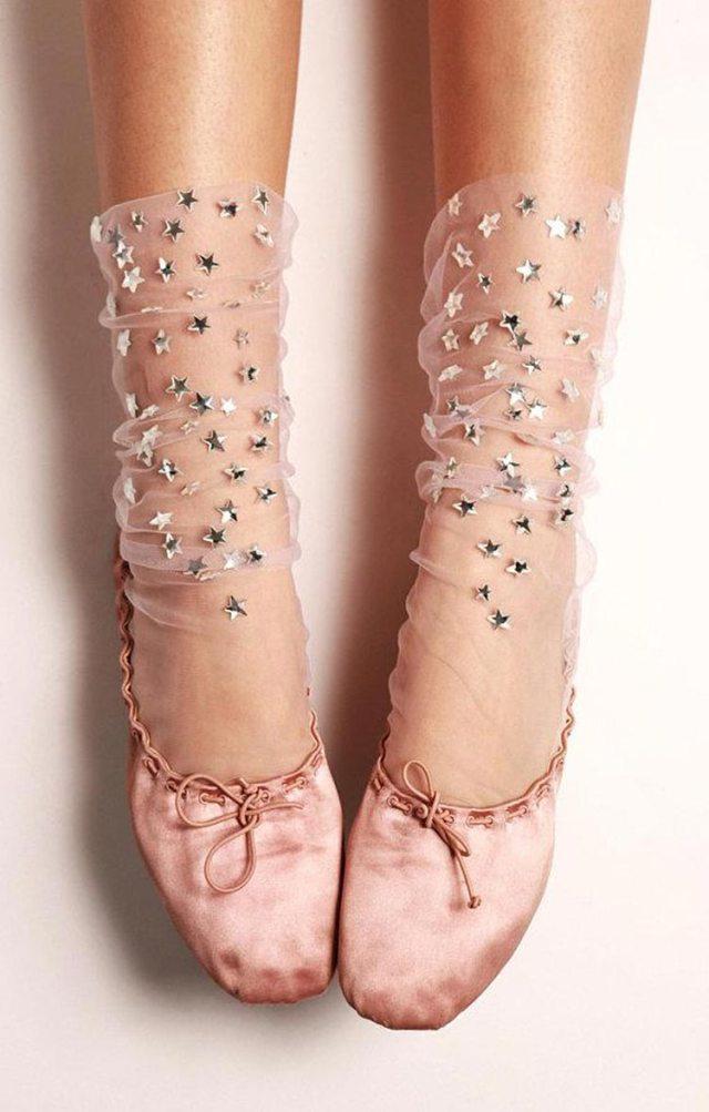 真Liリリカによる夢のような靴下