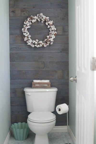 55.洗った緑の心と木製の壁のバスルーム