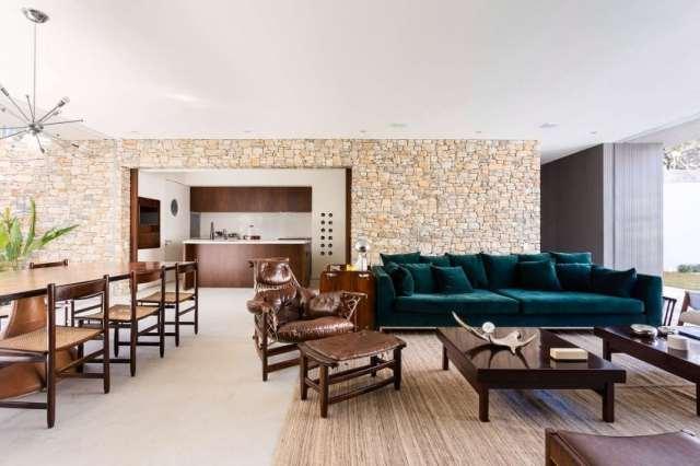 カサララの活気に満ちた現代的な家は、サンポールの美学で形をとる(18)