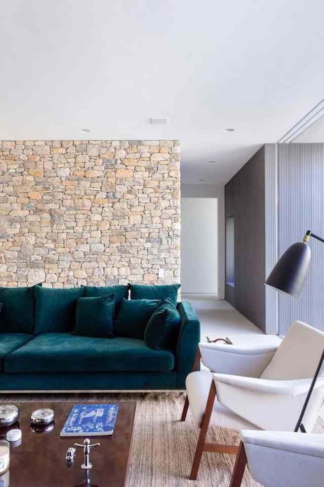 カサララの活気に満ちた現代的な家がサンパウロの形見で形をとる(20)