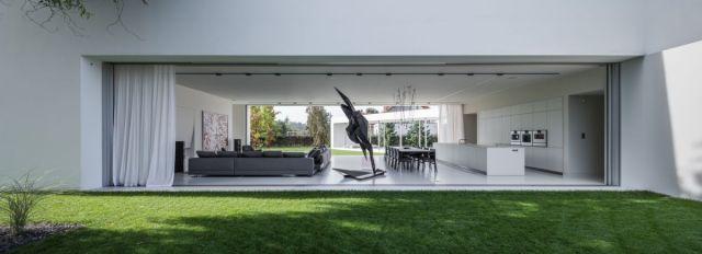 庭に面した屋外に面した部分は非常に自然でオーガニックな方法です