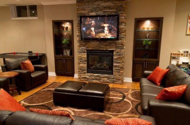 リビングルーム4で魅力的な積み重ねられた石造りの暖炉のデザインの暖かさを取得します。