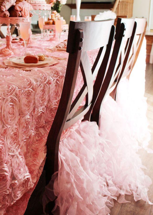 Karieのパーティーのアイデアにマリーアントワネットに触発されたパーティーからフリルタッセル椅子スカート|  KarasPartyIdeas.com(5)