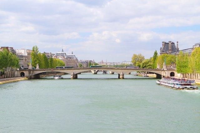 パリへの旅