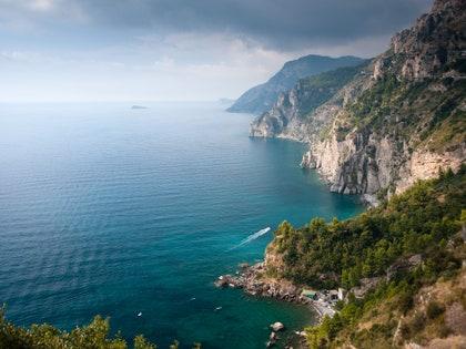 画像に含まれるもの:岬、自然、屋外、崖、水、海、海、海岸線、陸、海岸