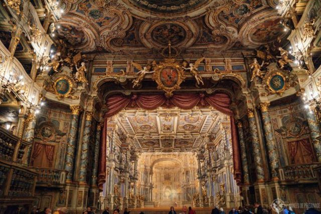 バイロイトのMargravial Opera Houseの歴史的な舞台