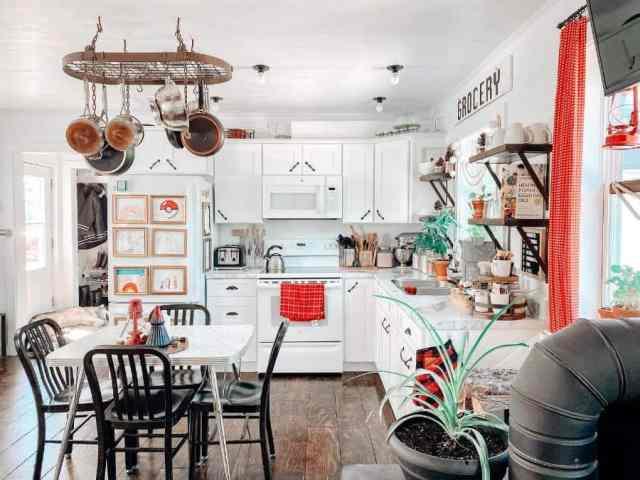 キッチンオーガナイザー棚キッチン壁の装飾のアイデアlittlehouseonpurpose