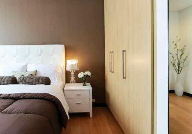 ミニマリストのモダンなベッドルームのアイデア3
