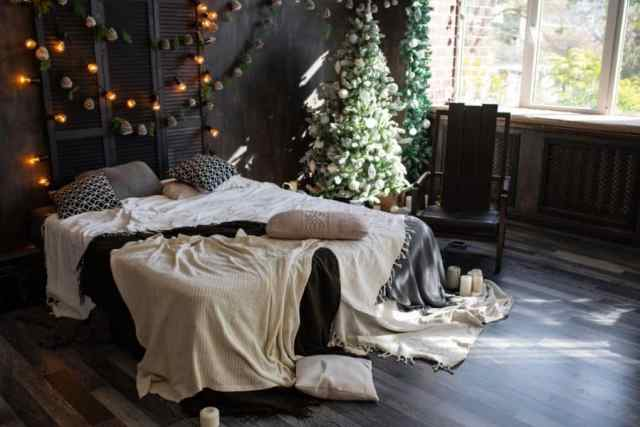 不機嫌そうなロマンチックな寝室のアイデア1
