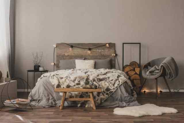 不機嫌そうなロマンチックな寝室のアイデア3