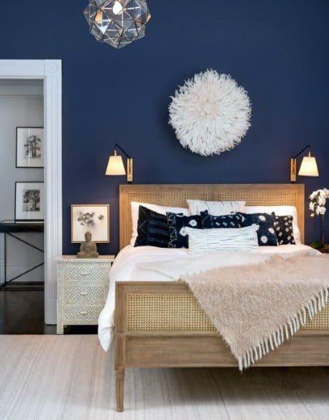現代の自由奔放に生きるミニマリストの寝室のアイデア