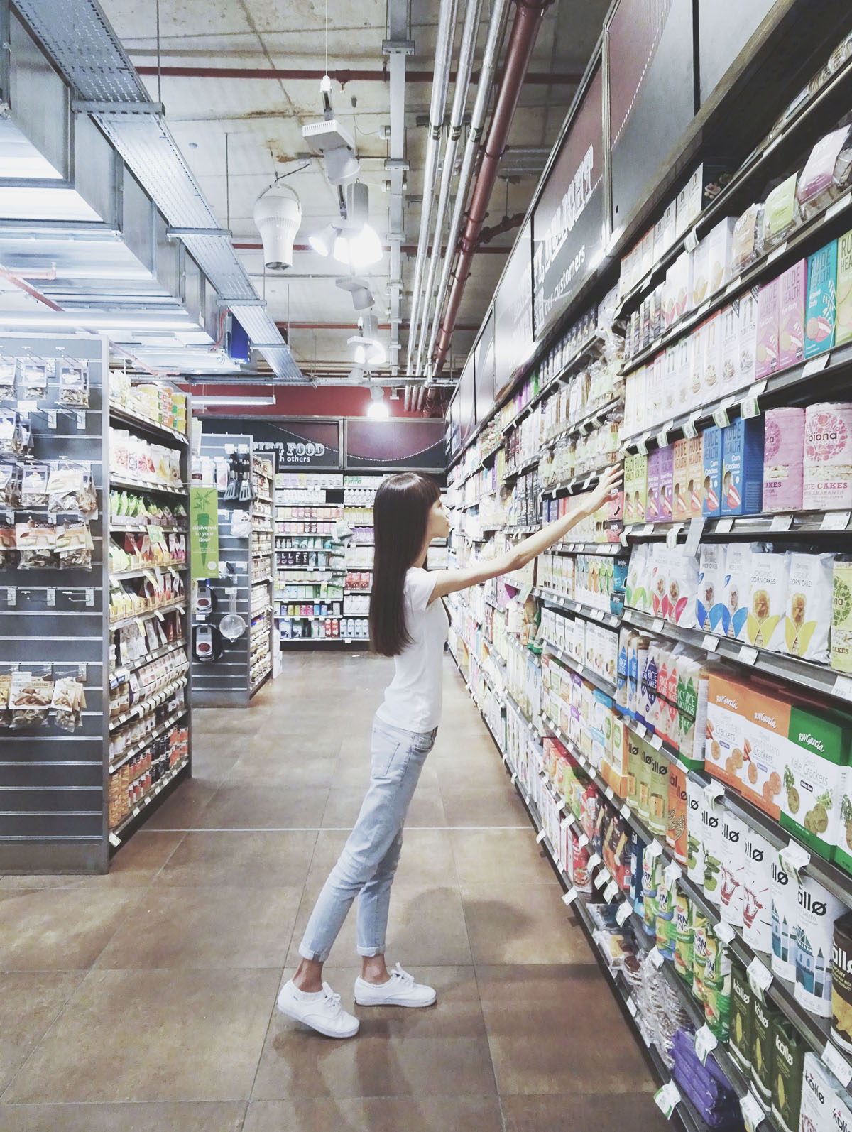 Travelling solo to London - Shopping at Whole Foods Market in Richmond