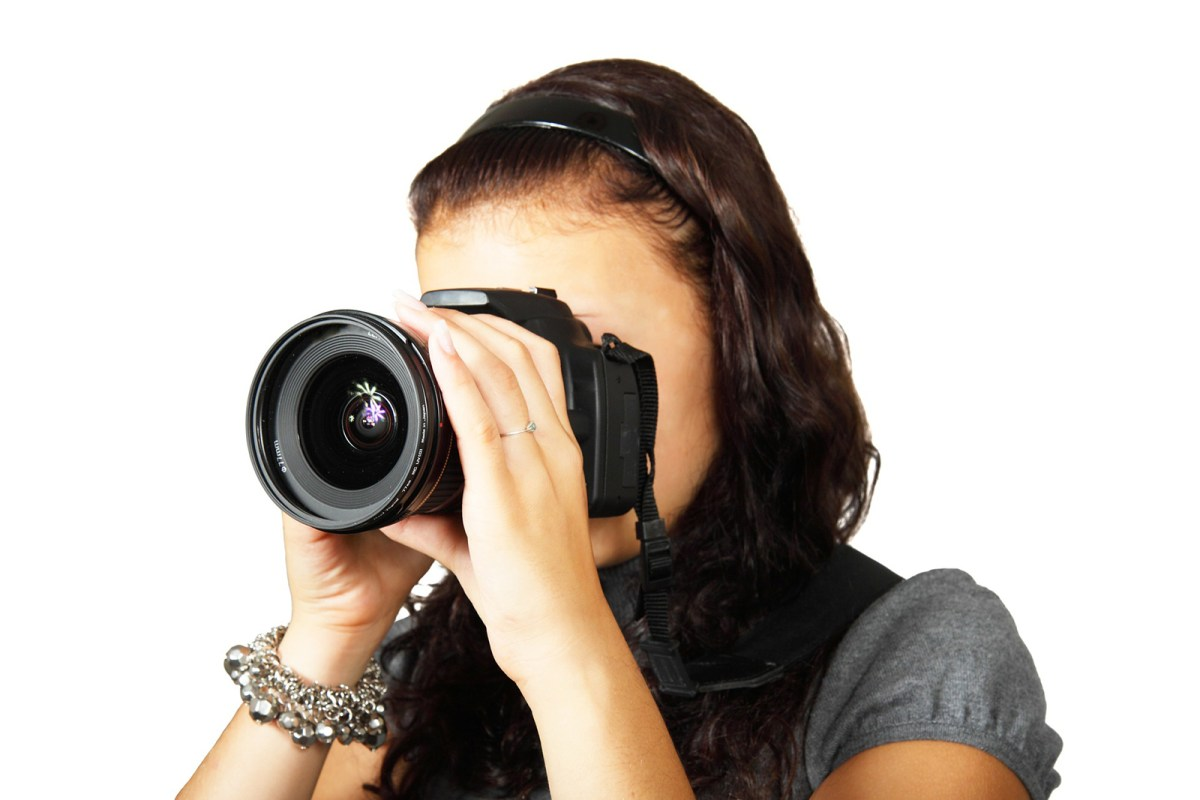 female real estate photographer