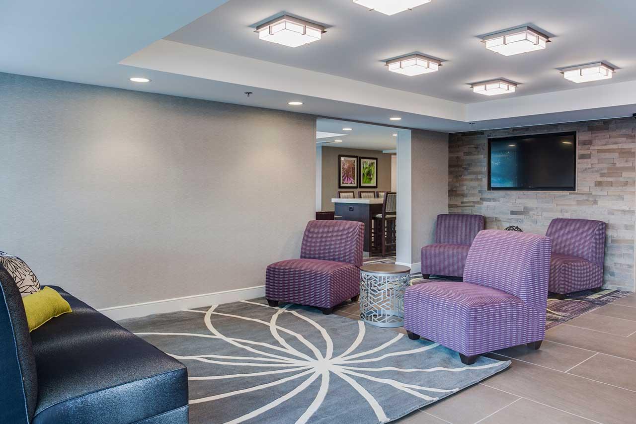 LaQuinta hotel lobby