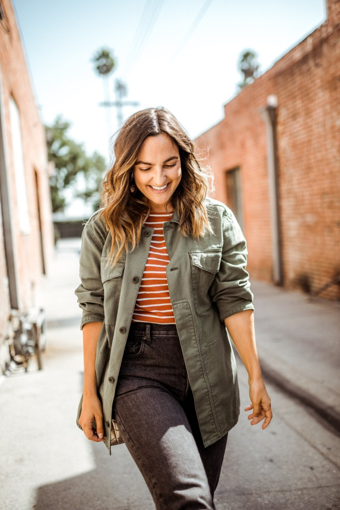 Casual Utility Jacket Outfit Ideas to Wear Now & Later