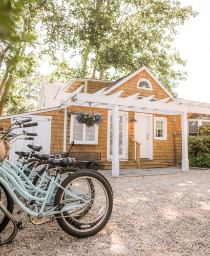 Hamptons Travel Guide   things to do in east hampton   the hamptons aesthetic   what to do in the hamptons   east hampton beaches   Charmed by Camille