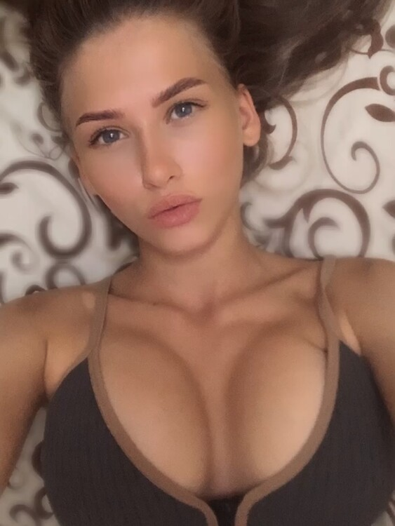 Oksana meet russian girls on facebook