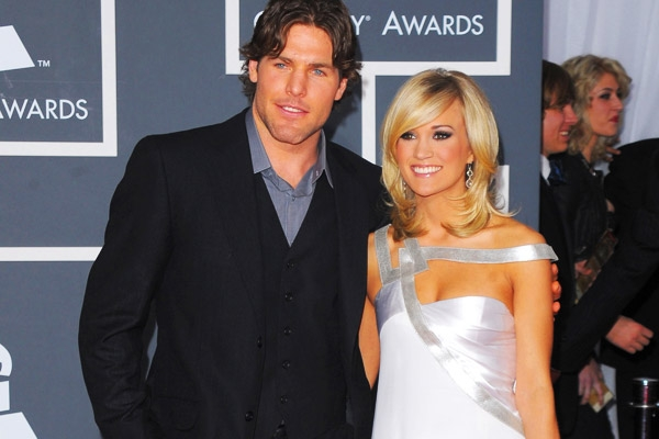 Carrie Underwood Mike Fisher Ice Hockey Baby