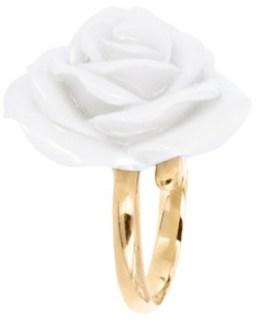 bague-ajustable-grande-fleur-blanche-nach-bijoux-charonbellis-blog-mode
