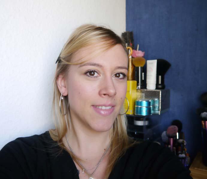 caviar-stick-stick-eyeshadows-shadow-pencil-mon-maquillage-ultra-rapide-pour-aller-travailler-tuto-make-up-20-2-charonbellis-blog-beautecc81