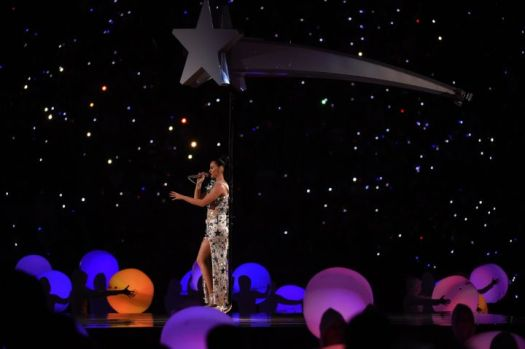 katy-perry-half-time-super-bowl-2015-3-charonbellis-blog-mode-et-beautecc81